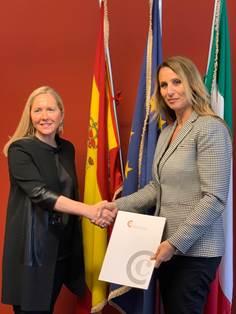 Yolanda Gimeno, Segretario Generale della Camera Ufficiale di Spagna in Italia, Susanna Sciacovelli, Direttore Generale di Vueling per Italia.
