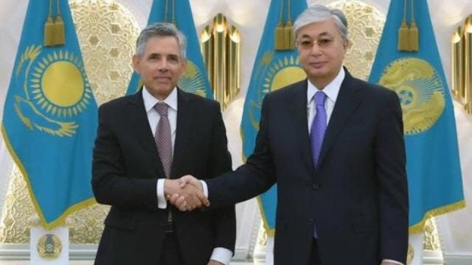 John Mazza e il presidente kazako, Kassym-Jomart Tokayev