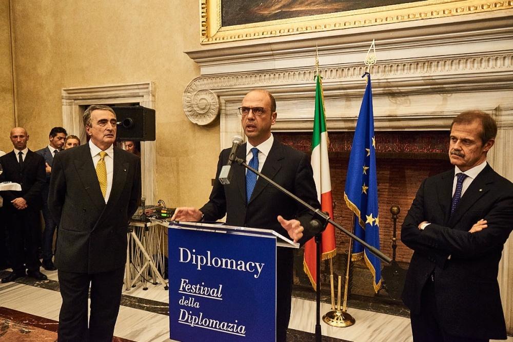 Il ministro Alfano chiude il Festival della Diplomazia 2017