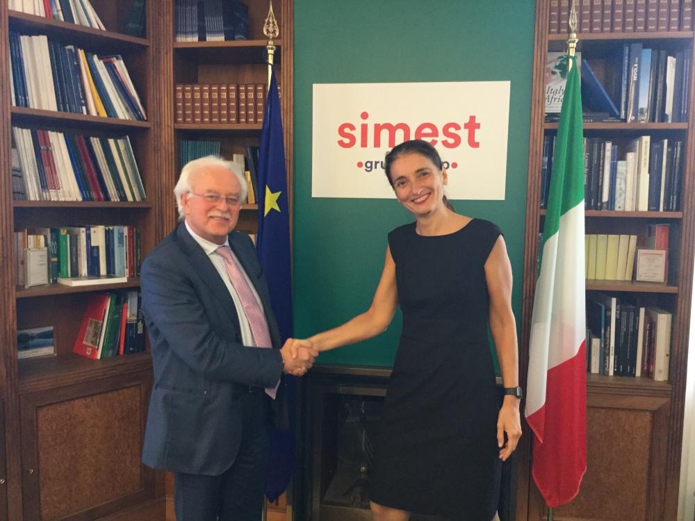 Arturo Improta di Medicina Futura e, a destra, Alessandra Ricci di SIMEST