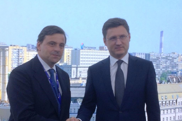 Forum Spief di San Pietroburgo: il ministro Calenda con il collega russo dell´Energia, Aleska Novak