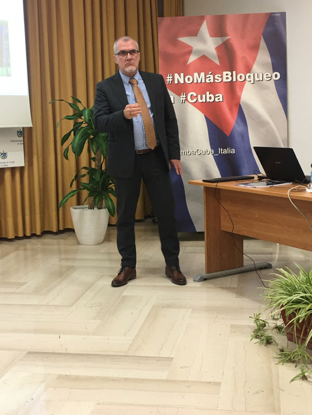 L'ambasciatore cubano in Italia, Josè Carlos Rodriguez Ruiz