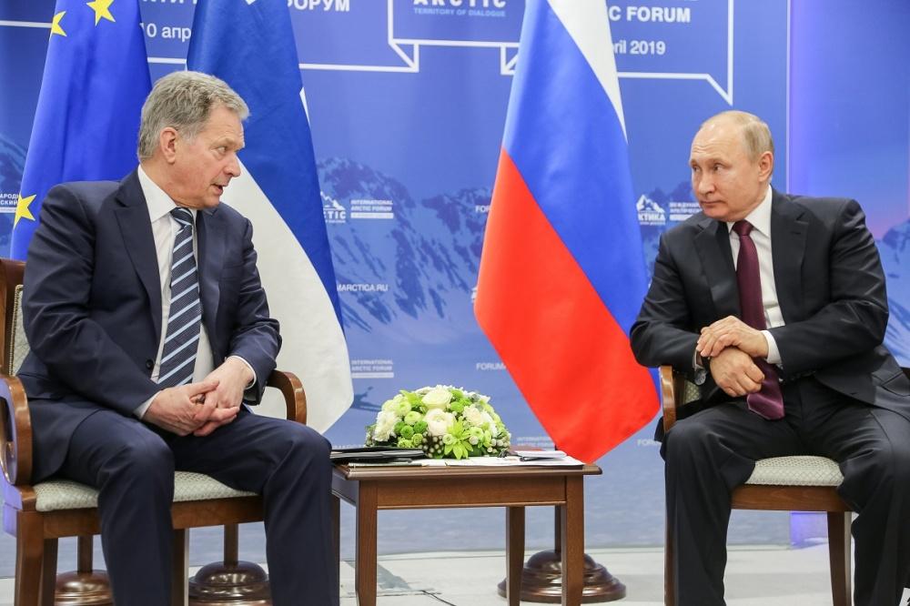 da sin. il presidente finlandese con il presidente russo Putin - foto di Katri Makkonen, ufficio del Presidente