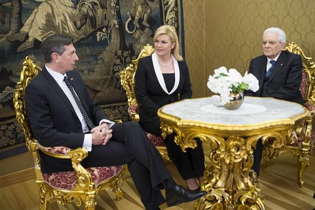 Il Presidente Sergio Mattarella e la Presidente della Croazia, Kolinda Grabar Kitarović (al centro) con il Presidente della Repubblica di Slovenia Borut Pahor