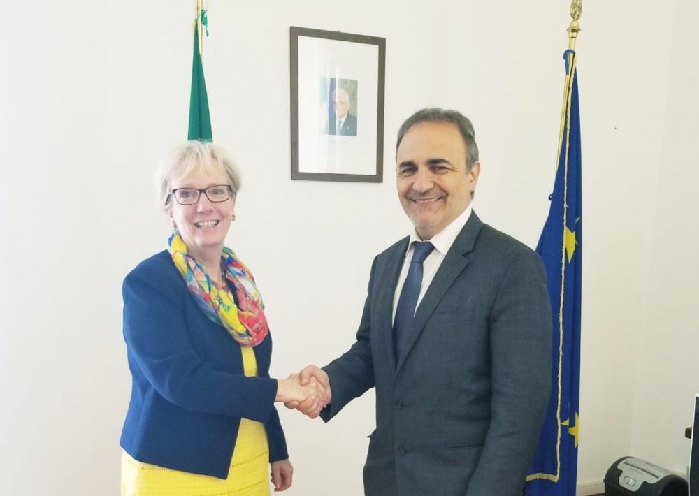 Il sen. Ricardo Merlo e l'ambasciatrice del Canada in Italia, Alexandra Bugailiskis