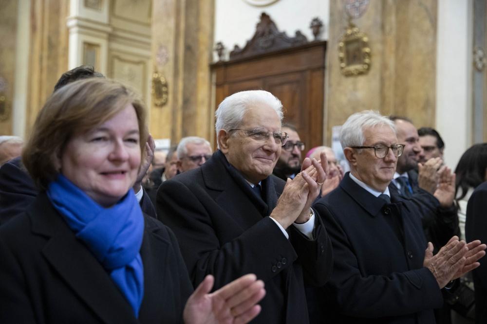 Il presidente Sergio Mattarella con Nathaie Loiseau, ministro francese (a sinistra)