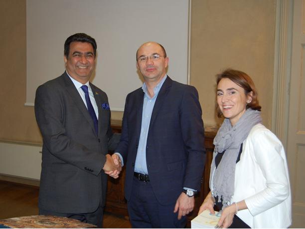 L´Amb. Soni (a sinistra) con il sindaco Vecchi e l´assessore Foracchia