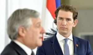 Il presidente del Parlamento europeo, Antonio Tajani, con il cancelliere Sebastian Kurz, dopo l´incontro a Vienna